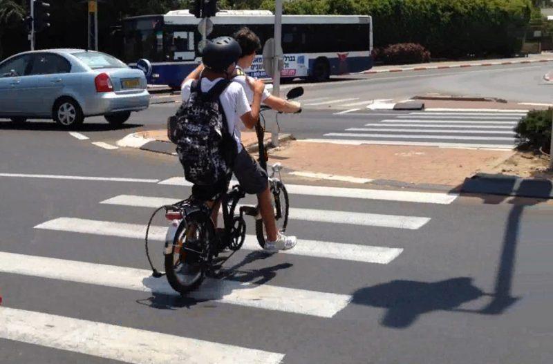 אופניים חשמליים. צילום: עמותת אור ירוק