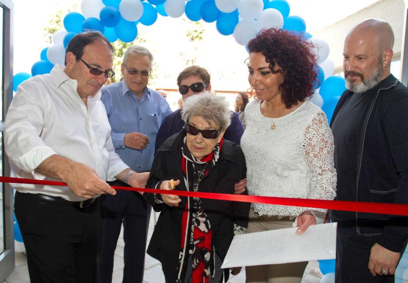 טניה אליאב התכבדה לגזור את הסרט