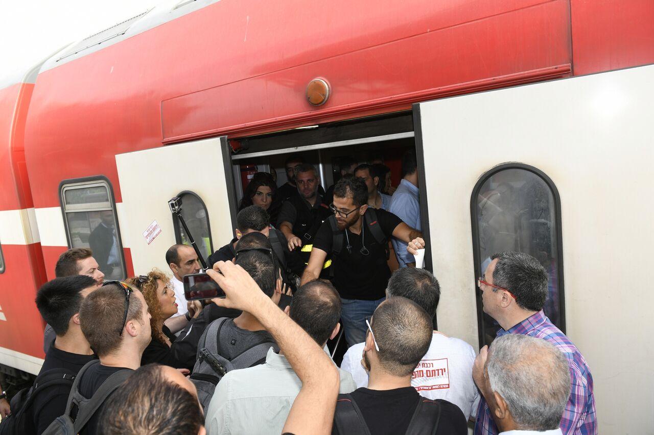 הפגנת מחאה רכבת ראשונים