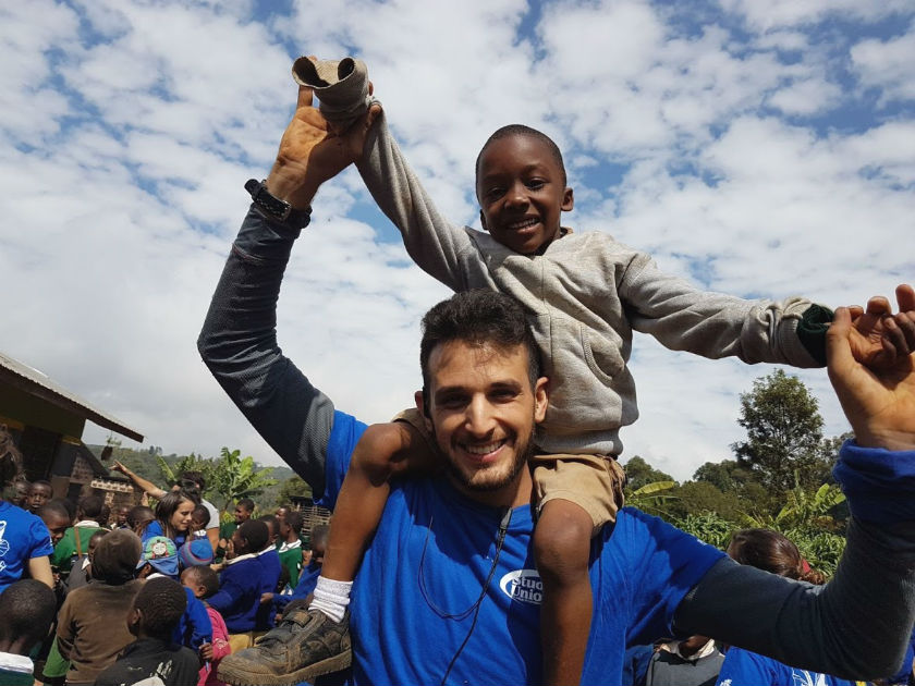 התנדב גם באפריקה. ליאור טואיל