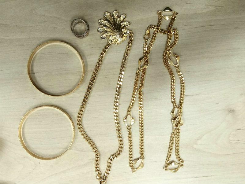עוד תכשיטים שנתפסו אצל פורץ כבן 50 (דוברות משטרה)