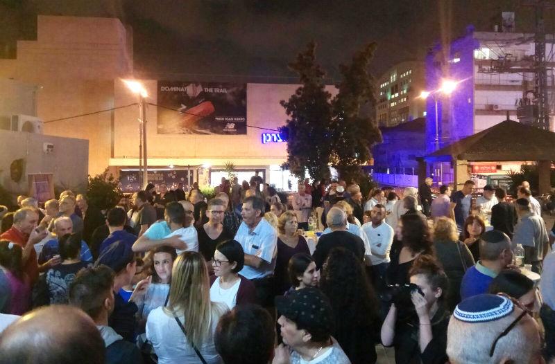 קהל רב שהגיע לכנס הפעילים של דורון אוזן (כל הצילומים: בתי לוין)