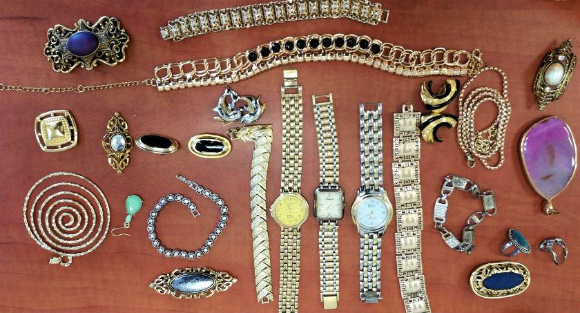 תכשיטים שנתפסו אצל פורץ בן 50 (דוברות משטרה)