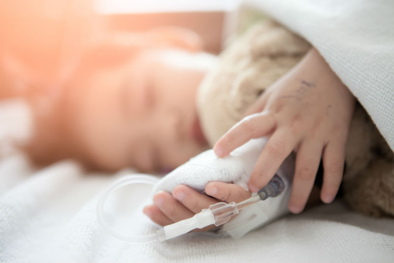 ילד חולה מאושפז בבית חולים