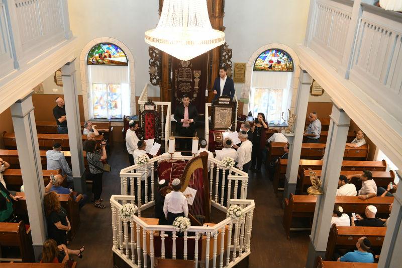 פנים בית הכנסת הגדול ראשון לציון