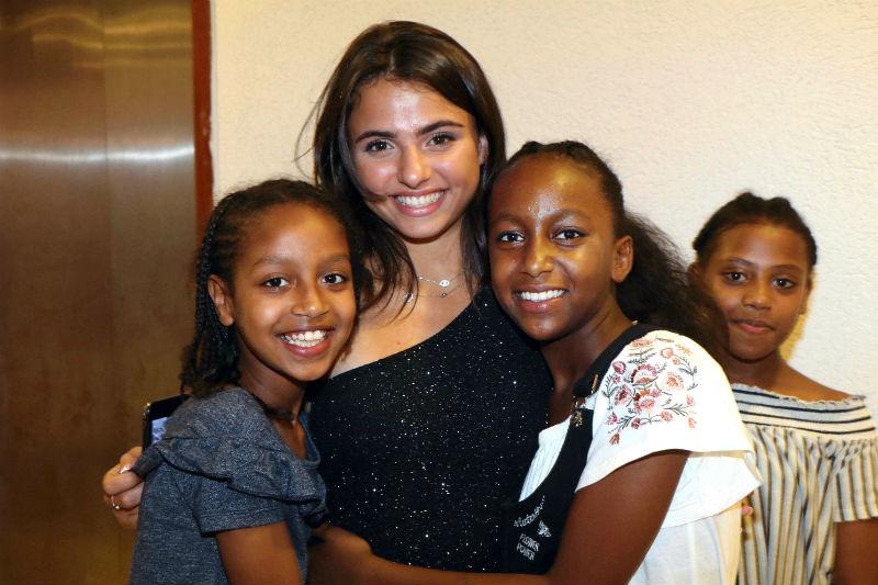 קים אור אזולאי חוגגת לילדי המצווה של בית הנוער קדימה (צילום: אמיר מאירי)