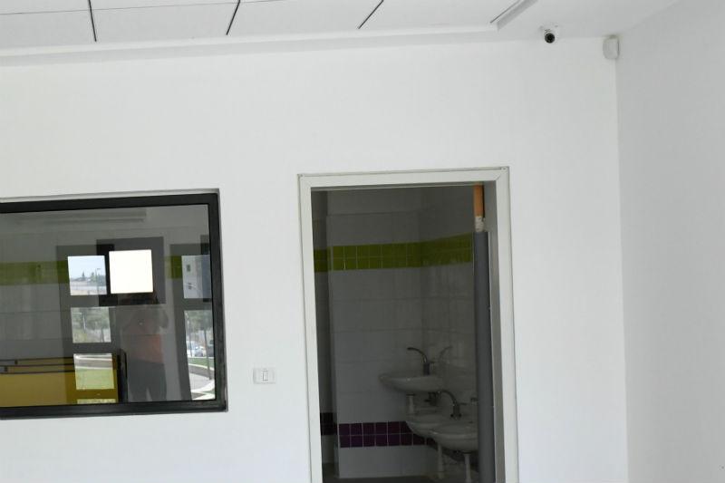 """המצלמות מותקנות בפינת החדר במעונות היום של העירייה (צילום: עיריית ראשל""""צ)"""