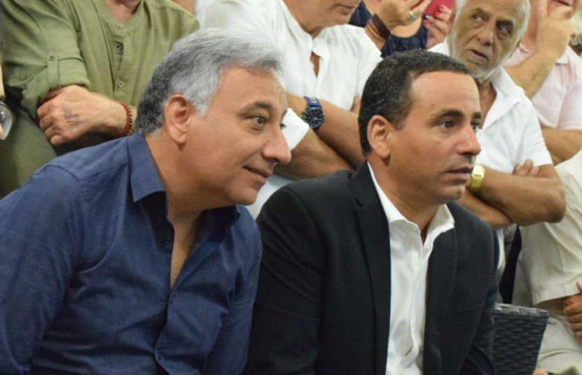 """ח""""כ יואל חסון ומוטי עג'מי בכנס התמיכה (צילום: דן סיבידיה)"""