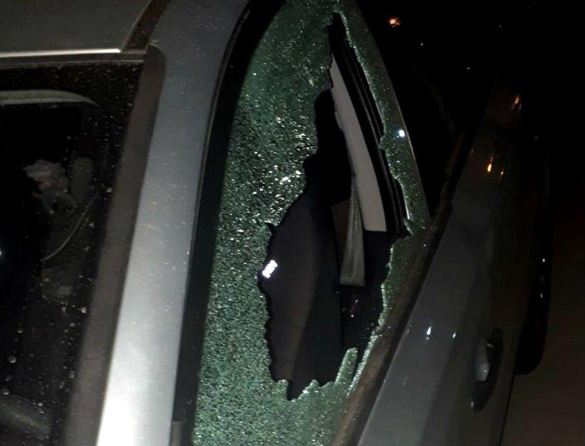 הגיעו בזמן ושברו את החלון. (צילום: הפיקוח העירוני)