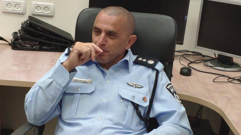 מפקד המשטרה היוצא צביקה חסיד