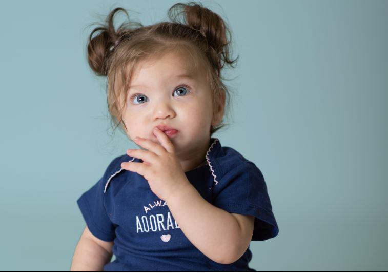 חנות בגדי תינוקות ביבנה. צילום: סיון צדוק