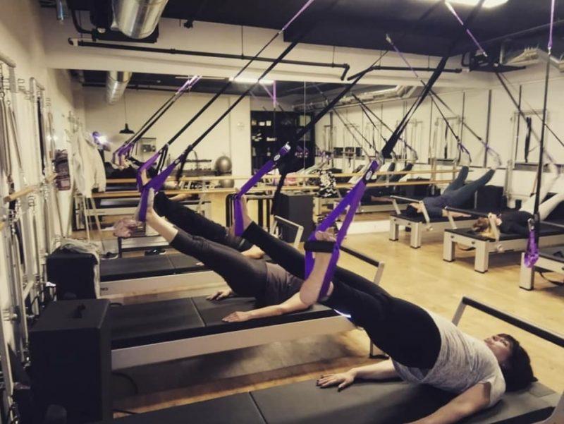 האימונים משלבים אלמנטים מעולם היוגה, אימון פונקציונאלי, אירובי ופילאטיס קלאסי (צילום: מיכל גרטי)