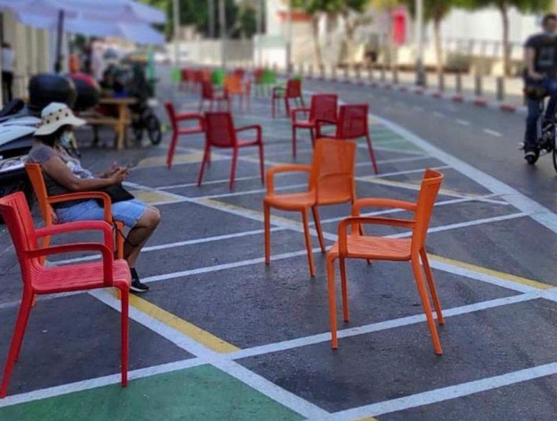 כיסאות במרחב הציבורי