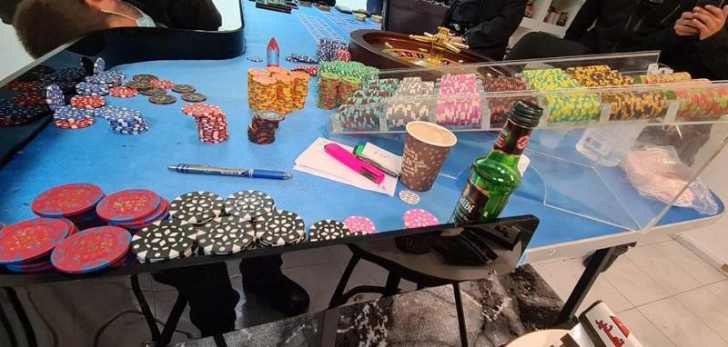 בית הימורים בראשון לציון (צילום: דוברות המשטרה)